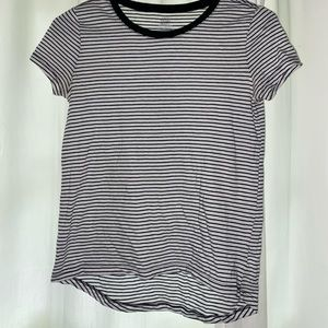Girl's Old Navy Black & White Striped Relaxed Tee